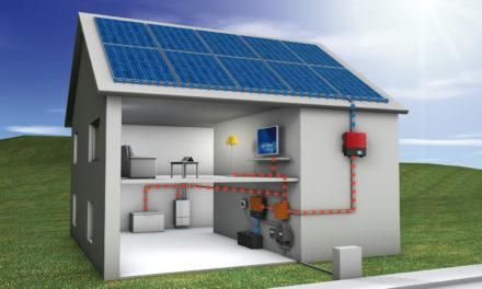 Casele verzi: energia ecologică şi panourile solare.